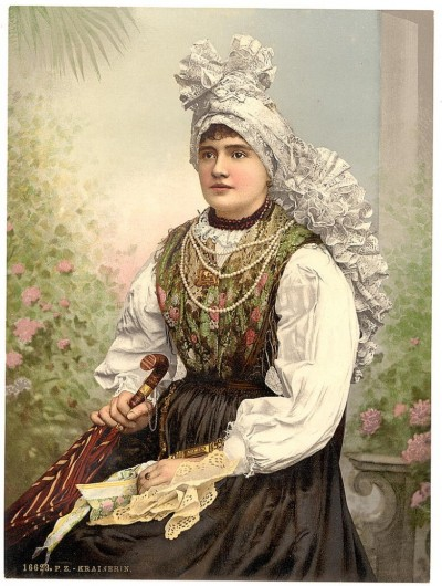 Devojka u narodnoj nošnji, Kranjska, Austrougarska (1890)