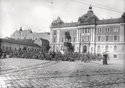 Austrougarska vojska na Pozorišnom trgu u Beogradu 1915. god.