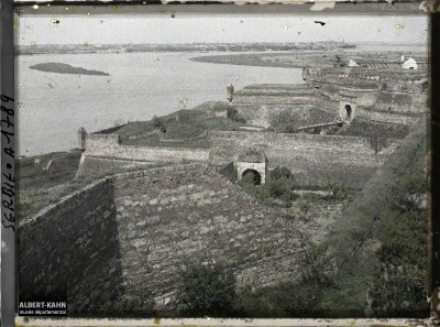 Kalemegdanska tvrđava. Pogled s Kalemegdana na Zemun 1913. g.