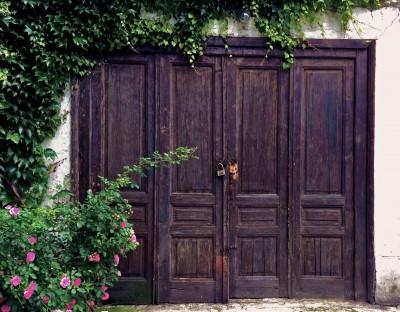 Stara vrata na Vracaru, Beograd (HQ)