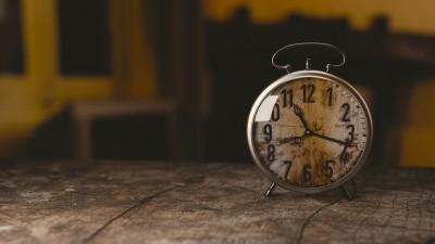 Stari budilnik : vreme leti